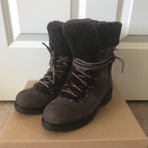 NIB 100% Authentic UGG Fraser Brown Boots SZ6